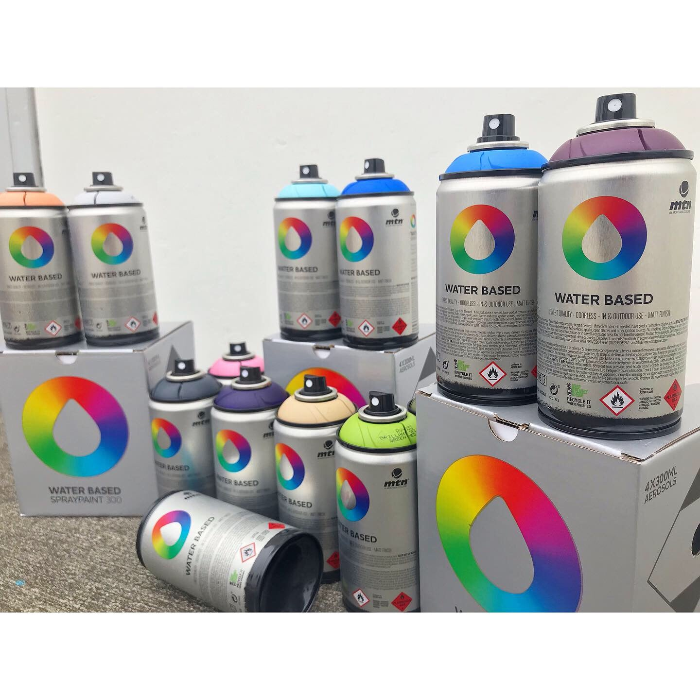 Spray planet review montana colors water based spray paint