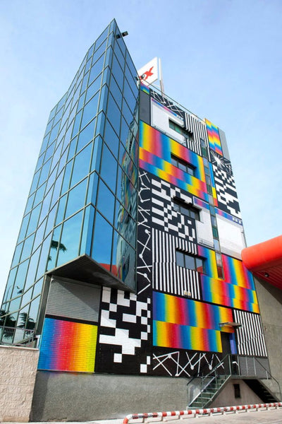 Mural on corporate building by Felipe PANTONE