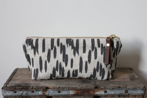 Oblong Pouch - Quill Oatmeal