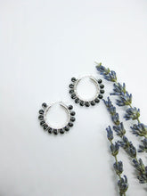 Load image into Gallery viewer, Black Spinel Hoop Earrings - e509