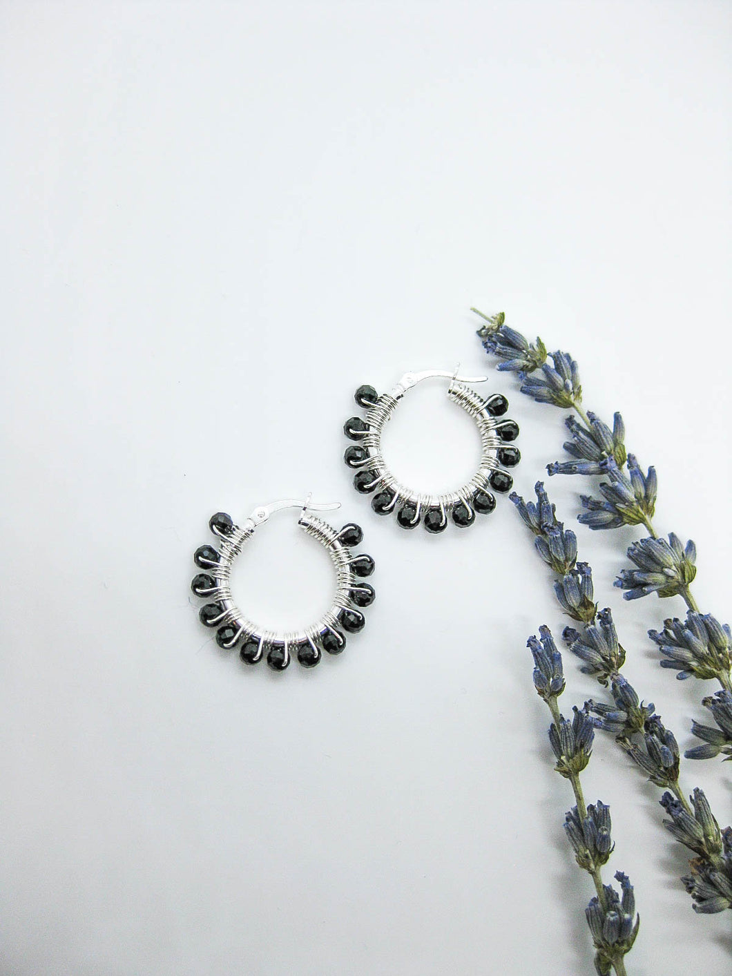 Black Spinel Hoop Earrings - e509