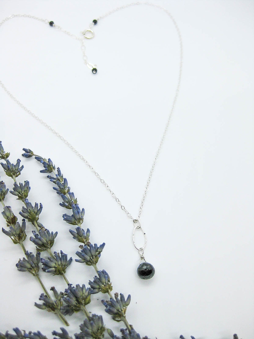 Chrysanthe: Black Spinel Necklace - n401