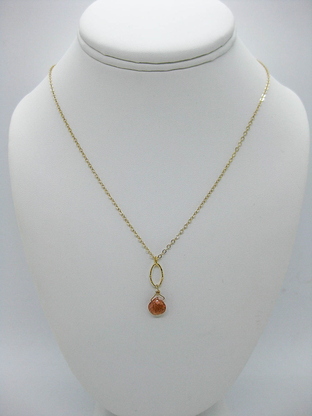 Chrysanthe: Sunstone Necklace - n406