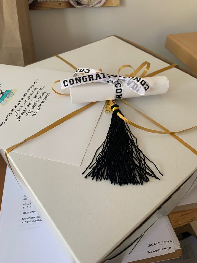 Graduation Cake Packaging