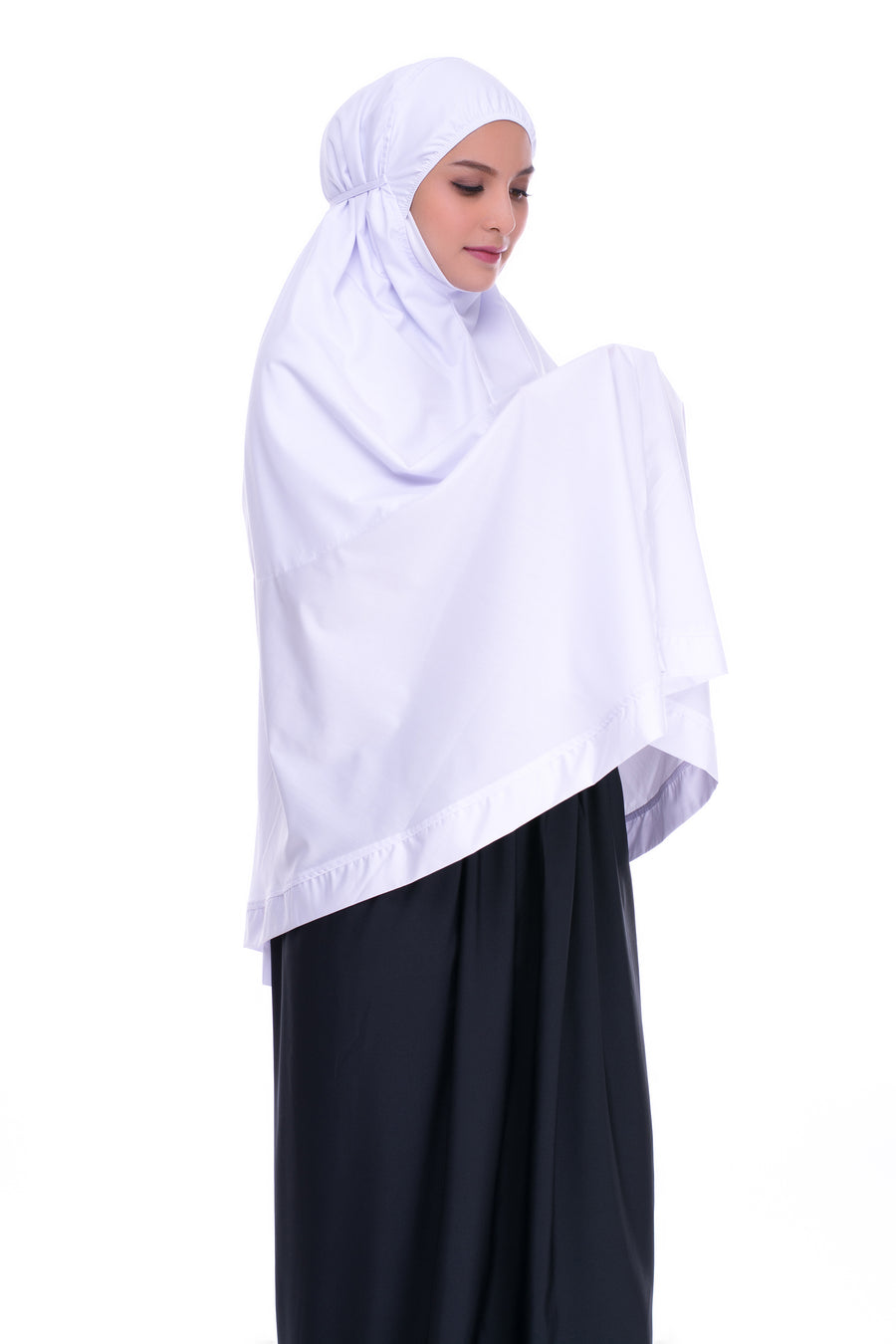 Telekung Mini Cotton with Pocket is made for those performing umrah or hajj.