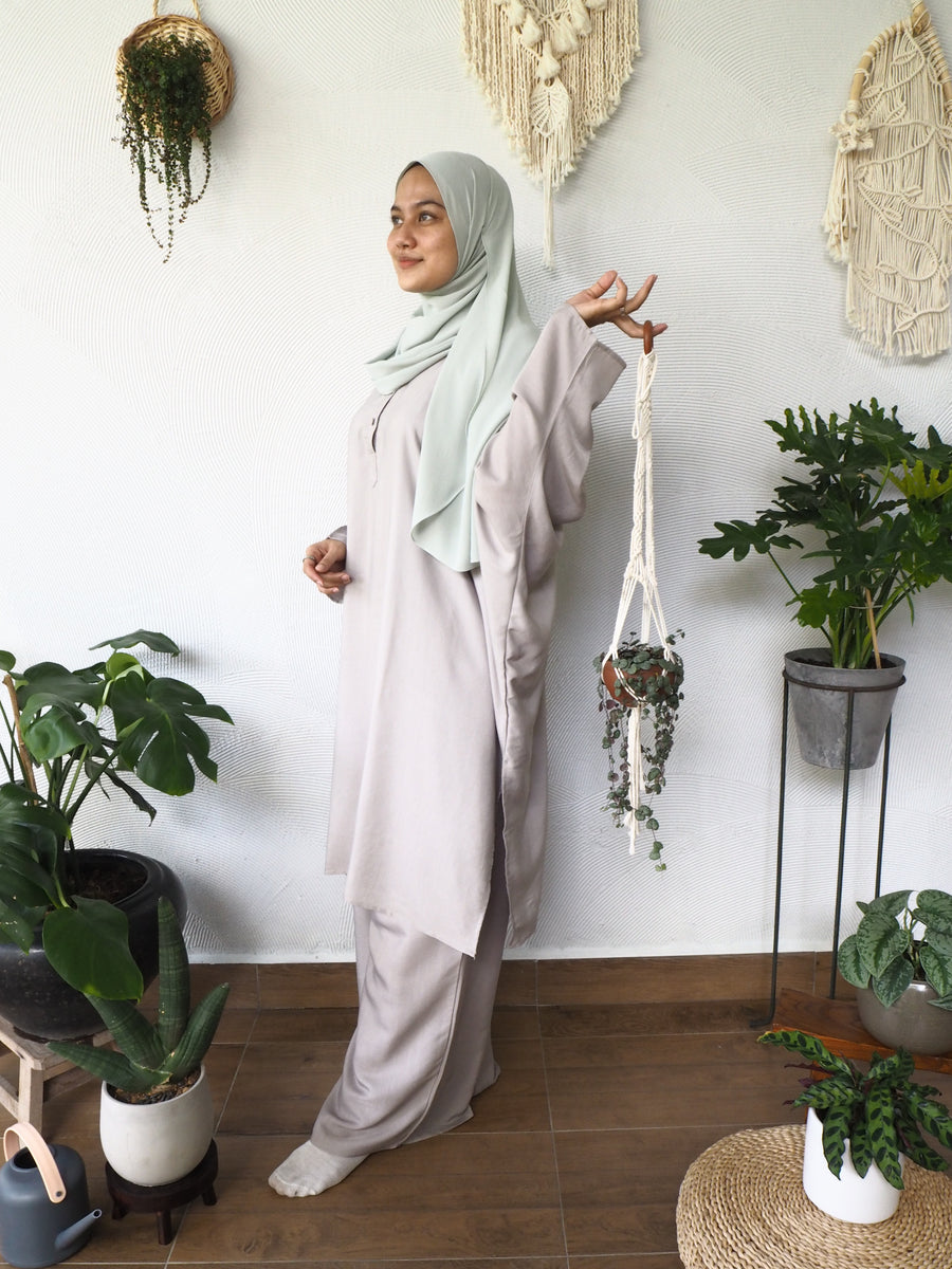 Mysa in Stone Grey