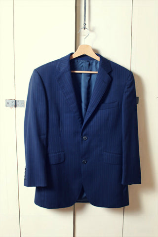 Exquisite blue pre-worn Aquascutum London suit