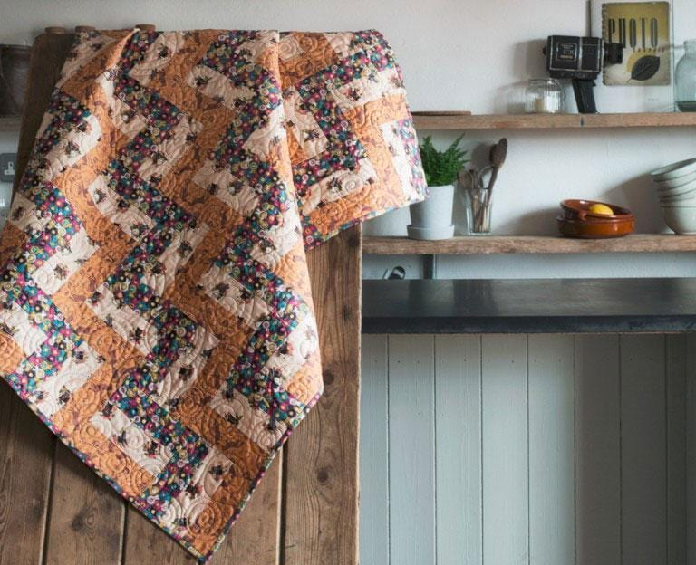 Farley Mount Free Downloadable Quilt Pattern - The Artisans Gifting Company