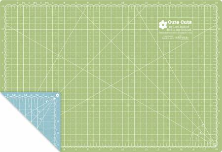 Lori Holt Cutting Mat 12in x 18in - The Artisans Gifting Company