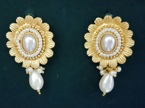 MATT Golden Pearl Earings - B1 (10)