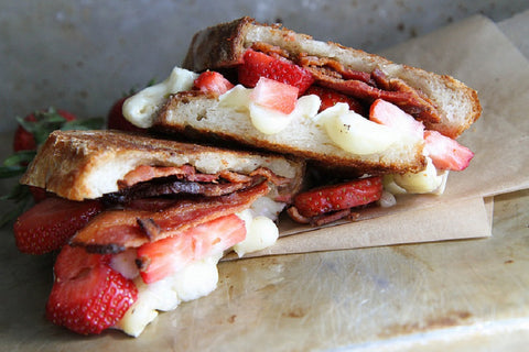 strawberry bacon brie grilled cheese