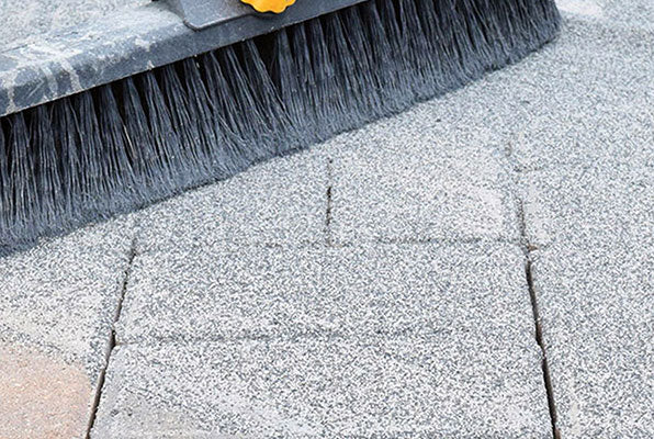 Why Hardscape Professionals Use Polymeric Sand