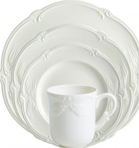 Gien Rocaille White 4 Piece Place Setting