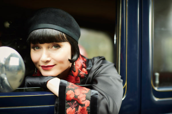 Phryne Fisher style