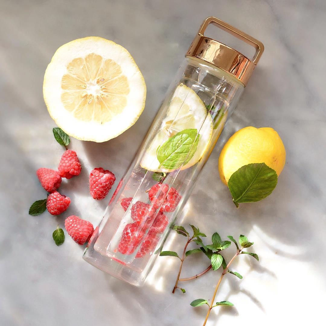 Lemon, Raspberry & Mint Detox Water // @alphafoodie