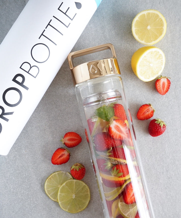 Lemon Lime & Raspberry Detox Water // @ellensmessykitchen