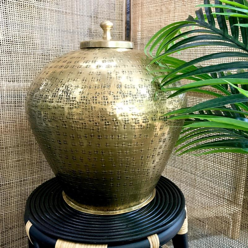 Barcelona Urn Vase Gold Finish-Janggalay