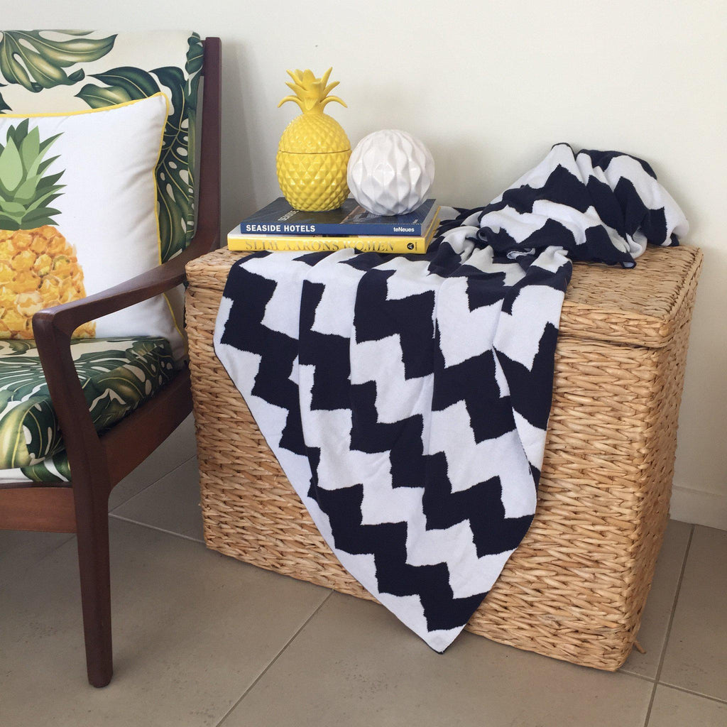 Cotton Throw Blue & White Chevron Pattern-Janggalay