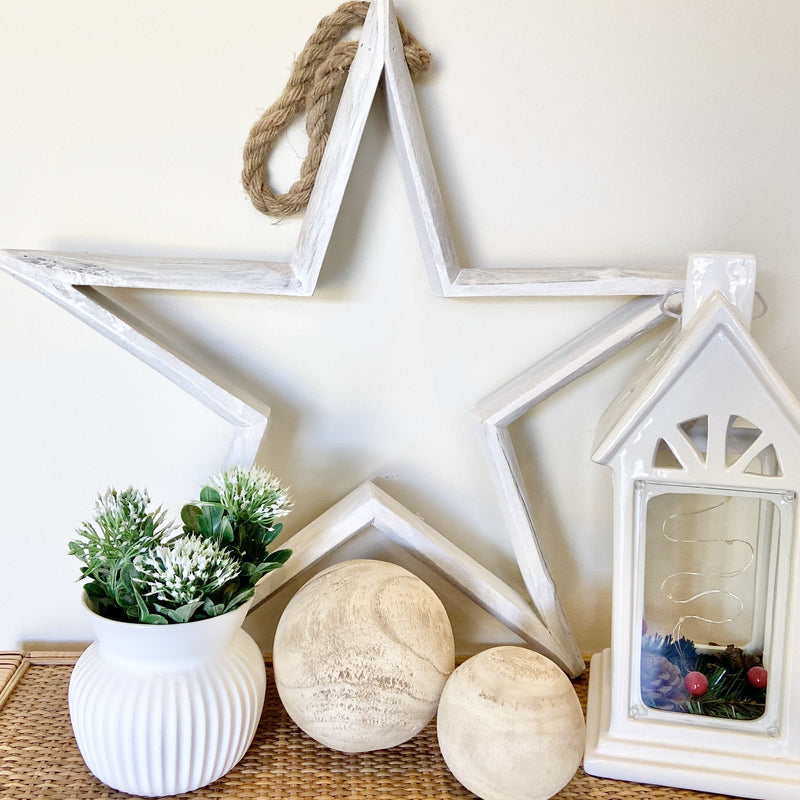 White wooden star - Janggalay