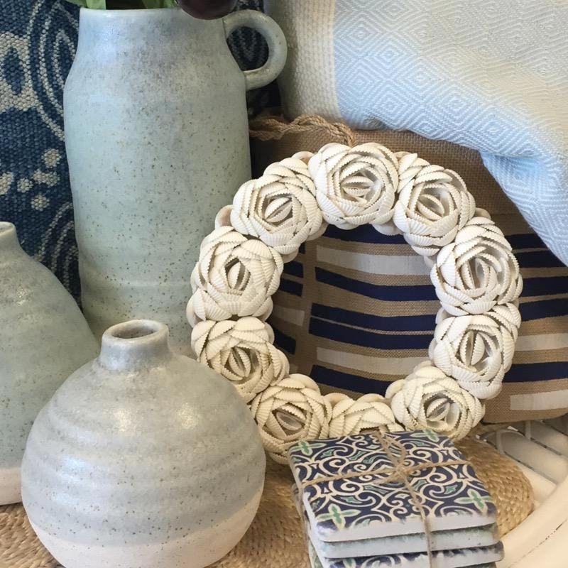 White Shell Circle Wreath with Jute Hanging 22cm-Janggalay