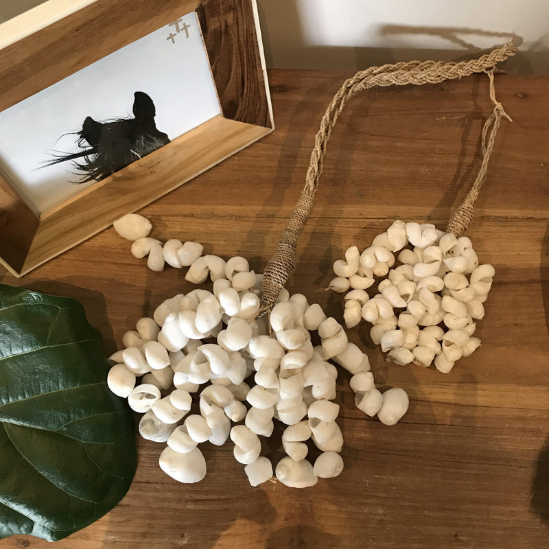 White Shell Cluster with Jute Rope Shell Garland Decorations