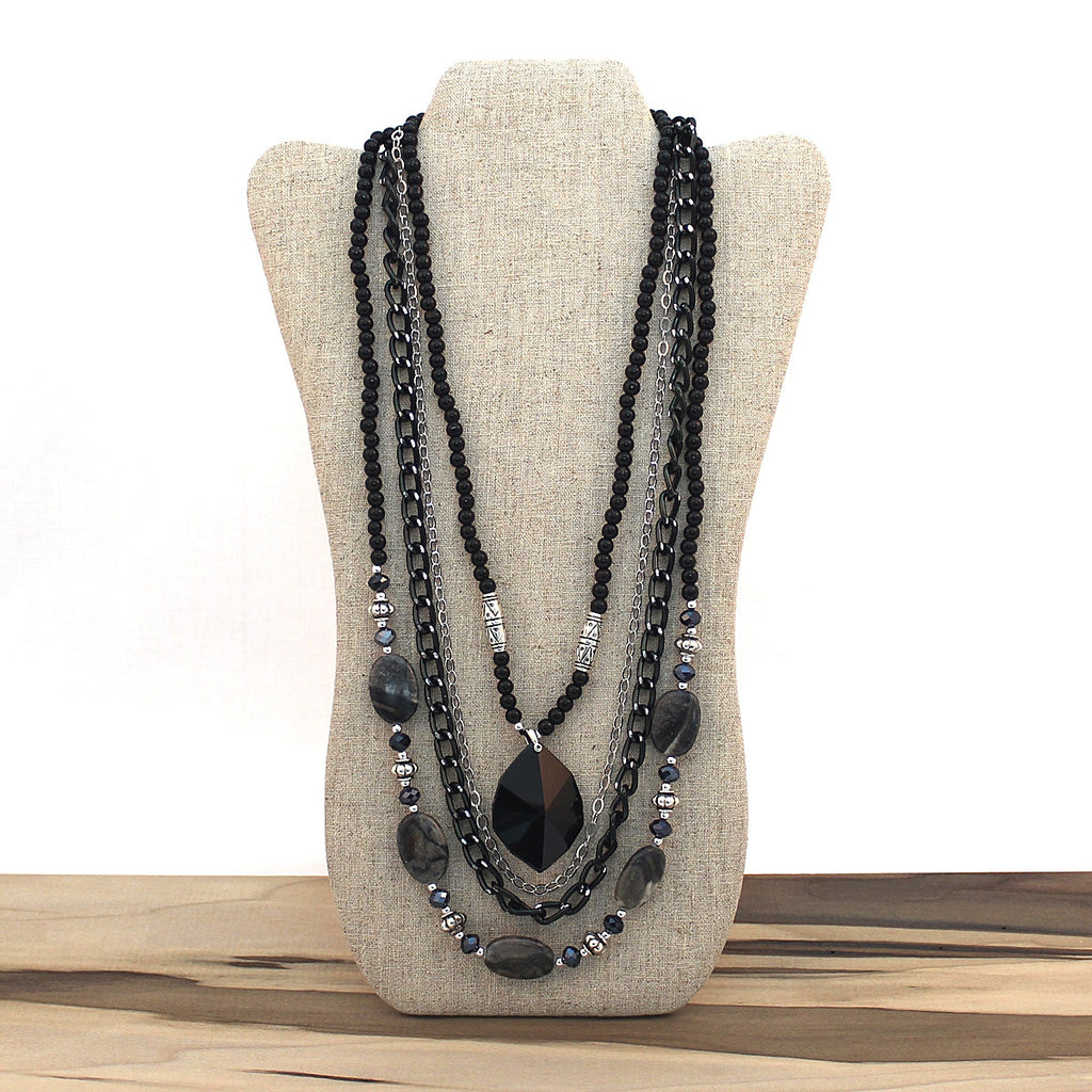 Layered necklace - Pendant
