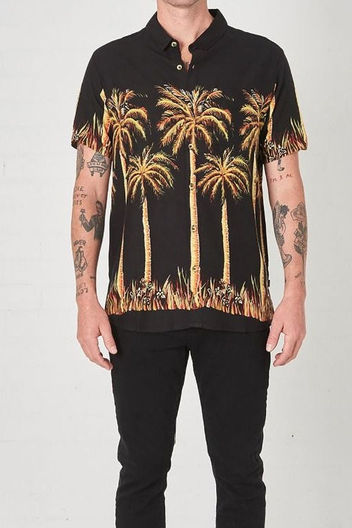 Rollas BON BIG KAHUNA SHORT SLEEVE SHIRT BLACK