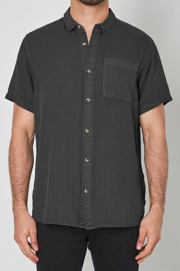 Rollas MENS MEN AT WORK SHORT SLEEVE HERRINGBONE SHIRT - WASHED BLACK - Elwood 101