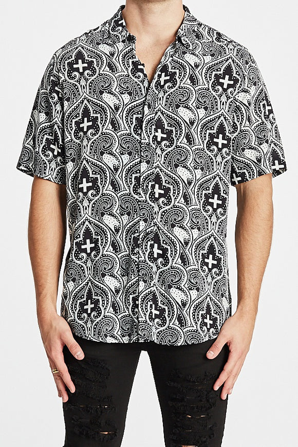 Kiss Chacey MENS CARDINAL RELAXED FIT SHORT SLEEVE SHIRT - BLACK STONE PRINT - Elwood 101