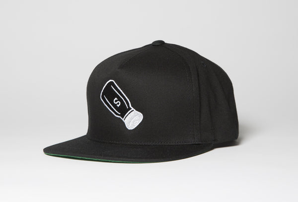 Shaker Snapback Hat In Black - Salty Dames