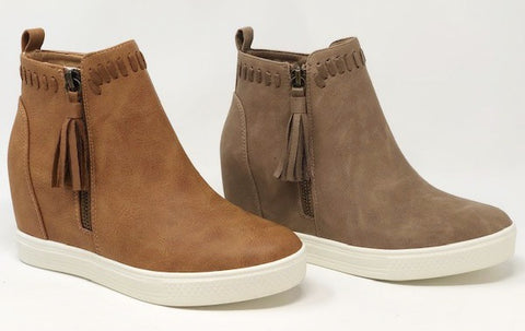 The Tanner Wedge in 2 Colors
