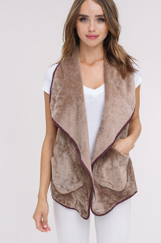 The Lissi Vest in Mocha