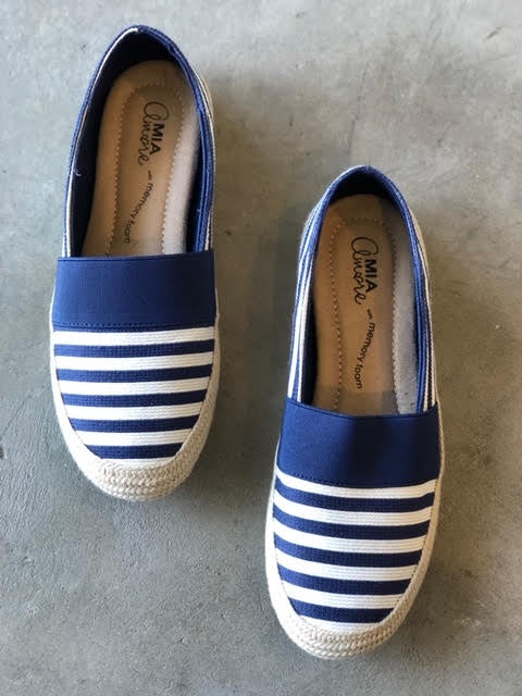 Fabbiolla Slip-Ons in Navy