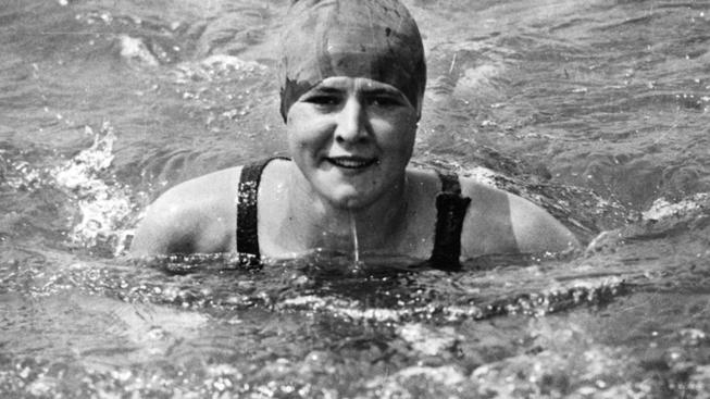Gertrude Ederle, first women to swim the English Channel, Superfit Hero blog