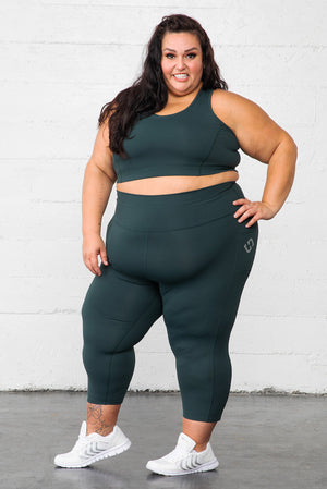 Favorite Plus Size Capri Leggings with pockets, size 4XL