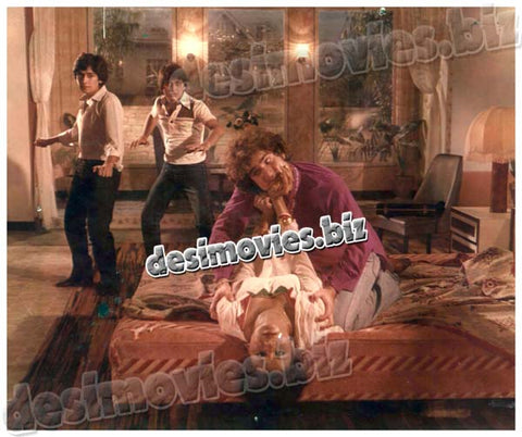 Yeh Zamana aur Hay (1981)  Lollywood Lobby Card Still 5
