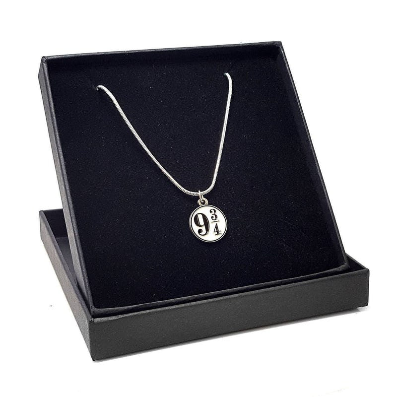 Harry Potter Platform 9¾ Necklace + Gift box | Wizarding Wares