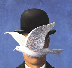L'homme au chapeau melon (No Border), Rene Margritte Alternate View