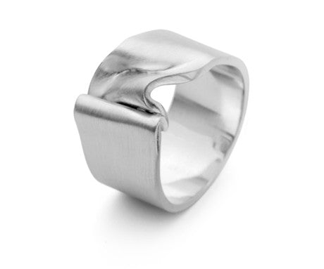 White Gold Crushed Velvet Ring 1, Jessica Poole