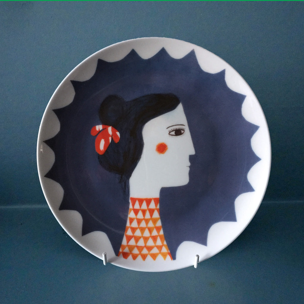 Red Triangle Plate, Katy Leigh - CultureLabel - 1