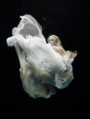 Angel 4, Zena Holloway