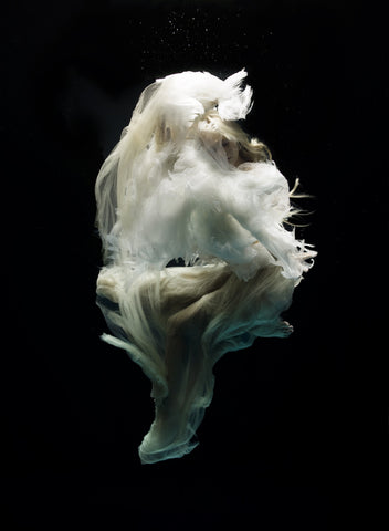 Angel 8, Zena Holloway