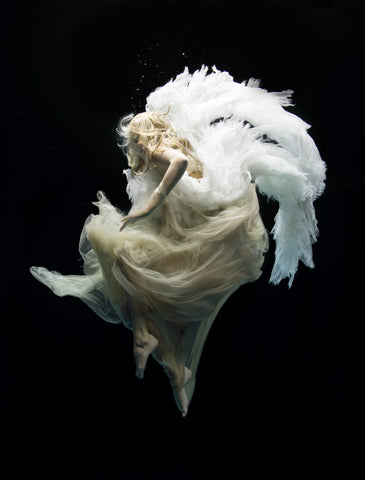 Angel 9, Zena Holloway