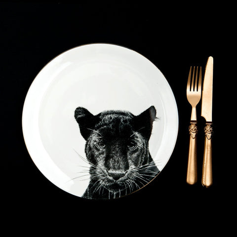 Peering Panther Dinner Plate, Abi Overland Jersey
