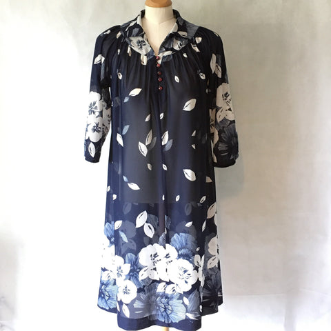 Ladies Retro Dress Navy and White Print