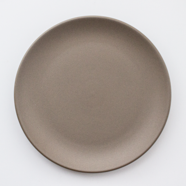 Heath Ceramics Coupe Line Dinner Plate Rental: Cocoa Fawn