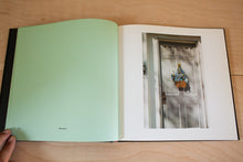 Load image into Gallery viewer, William Eggleston's Guide