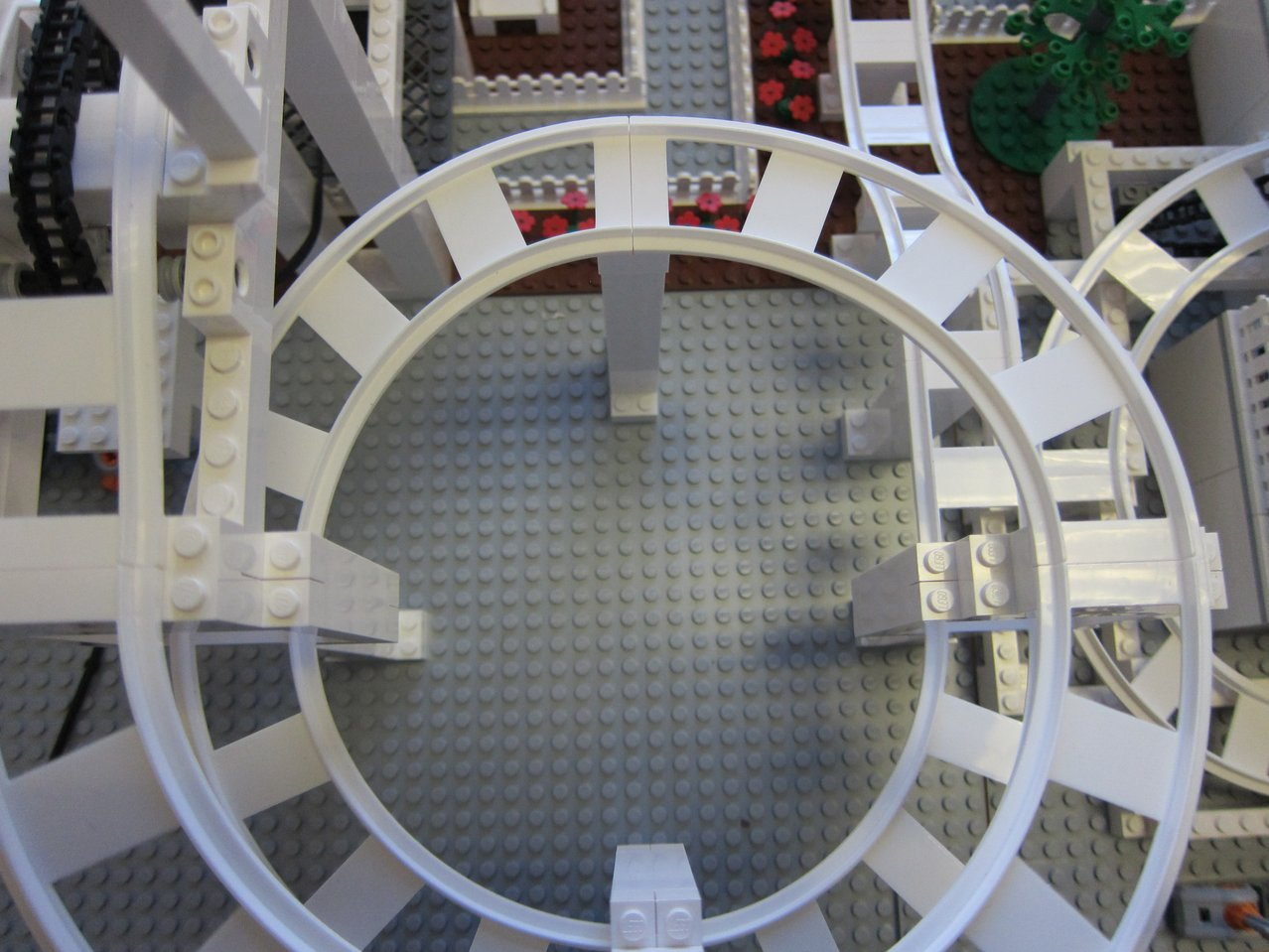 BrickCoaster Brick Twister Roller Coaster LEGO MOC