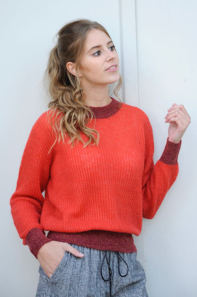 Ellion Red Pullover