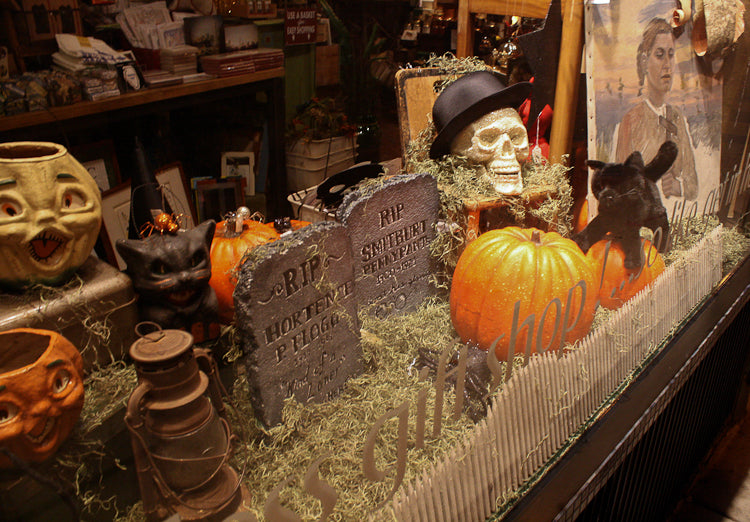 Twosided-Halloween_Window-8